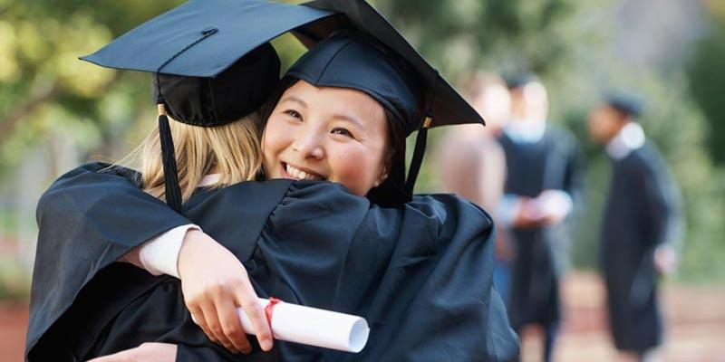 Article Image Quais são as diferenças entre um programa de graduação e de pós-graduação?