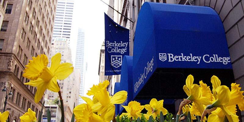 Article Image José Navarro, de Barcelona, España: es estudiante del Berkeley College ubicado en Nueva York