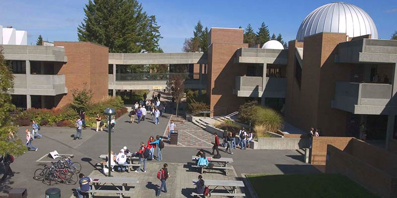 Article Image Kristianto from Indonesia: Studies Business Administration at Bellevue College