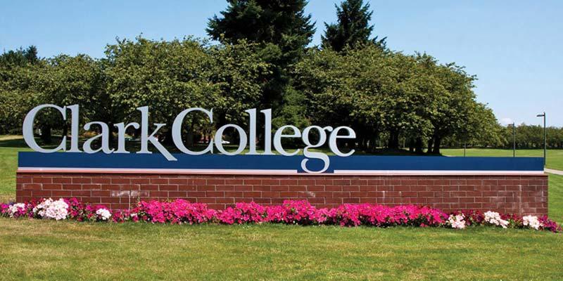 Article Image 陈露露,来自中国,目前居住于华盛顿州温哥华市,就读 Clark College,专业为工商管理