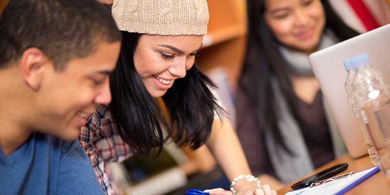 Article Image 通过 Study in the USA 网站提出入学申请的程序