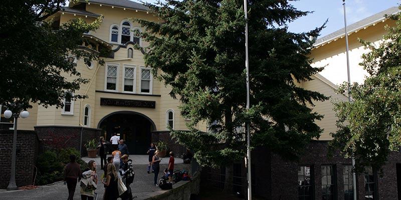 Article Image Gabriel Roldan Barrios, do México: estudando na 10ª série na The Northwest School em Seattle