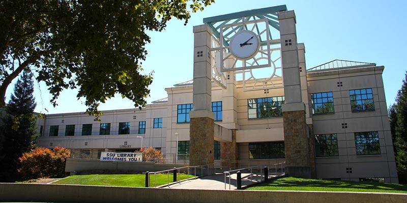 Article Image Çin'den Wenjing Wang: California Eyalet Üniversitesi, Sonoma'daki Sonoma Eyalet Amerikan Dil Enstitüsü'nde İngilizce Eğitimi