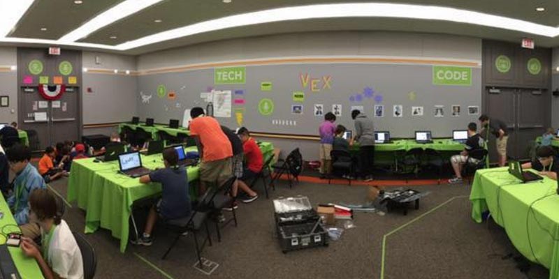 Article Image Luis Blanco จากสเปน: นักเรียนเกรดเก้าที่เข้าร่วมค่ายฤดูร้อน iD Tech ที่ MIT ใกล้บอสตัน