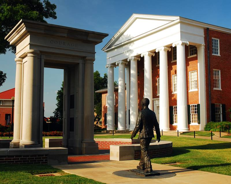 Article Image Dayni Diaz Mederos from Cuba is Studying for Her Doctorate in Second Languages at the University of Mississippi