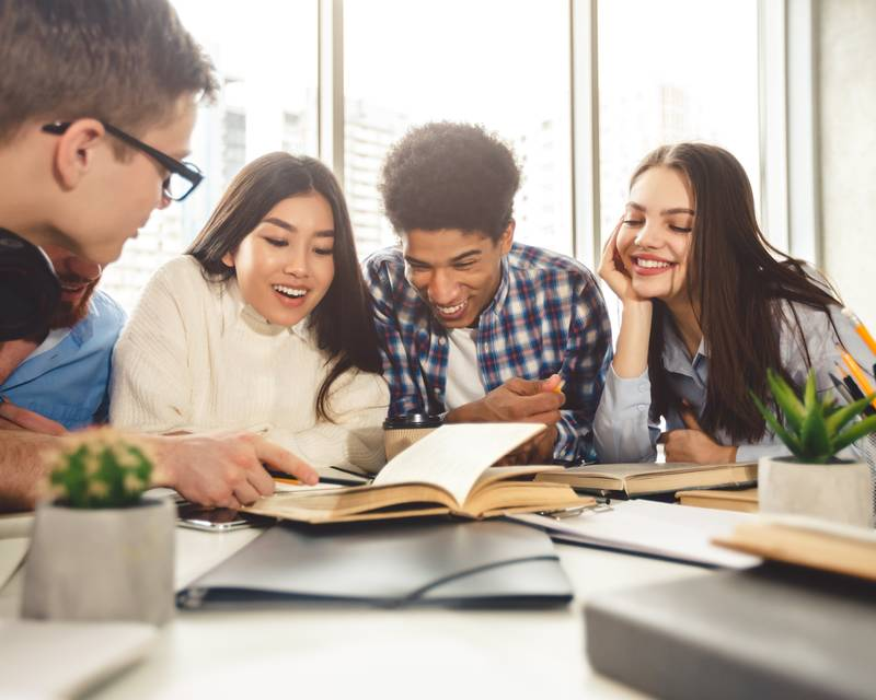 Article Image 6 Signs of a Good College Study Group