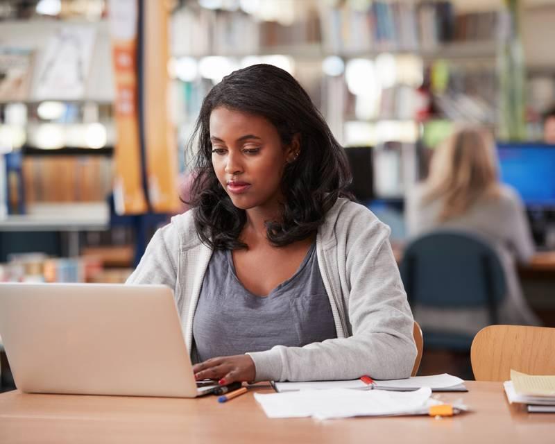 Article Image Колледжи и университеты, предлагающие стипендии для иностранных студентов: Колорадо, Коннектикут и Делавэр