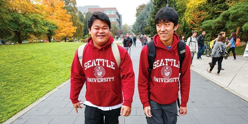 Article Image Mariajesus Elgueta, proveniente de Chile, cursa sus estudios de enfermería en la Universidad de Seattle