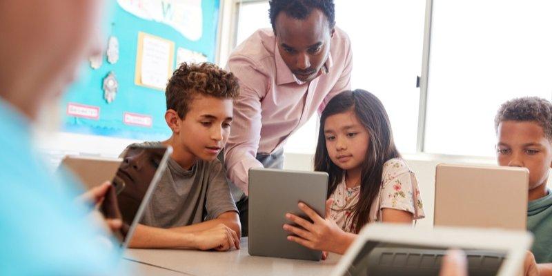 Article Image 교실에서 기술 사용의 7 가지 주요 이점