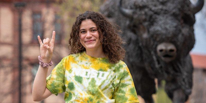 Article Image Julissa Carrillo mengambil jurusan perhotelan dan manajemen pariwisata di North Dakota State University
