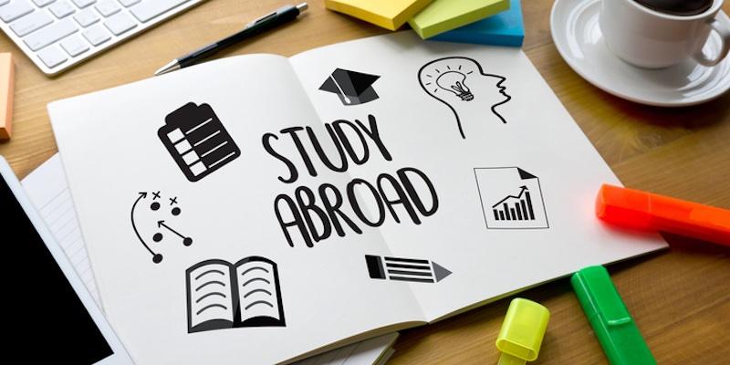 Article Image الفرق بين الجامعات الأمريكية والكندية