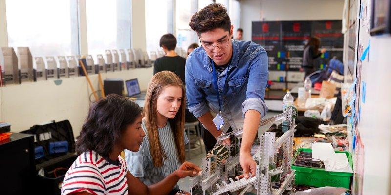 Article Image アメリカの大学でテクノロジーを学ぶ